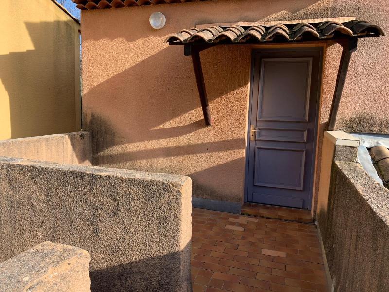 Location appartement Le tholonet 767€ CC - Photo 2