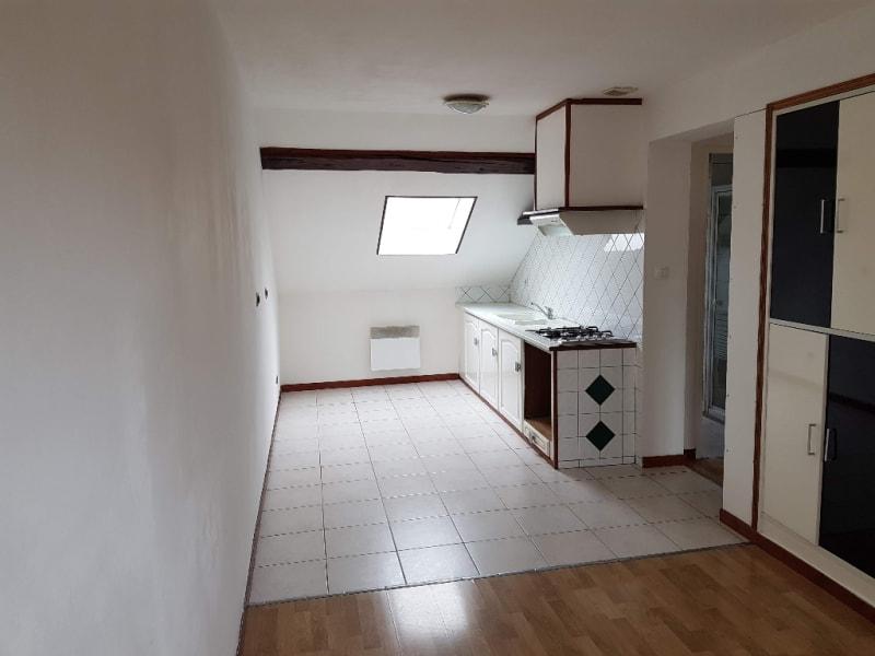 Location appartement Cambrai 385€ CC - Photo 1