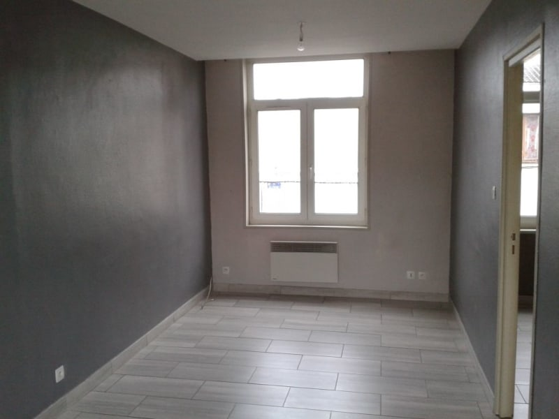 Rental apartment Armentieres 468,73€ CC - Picture 1