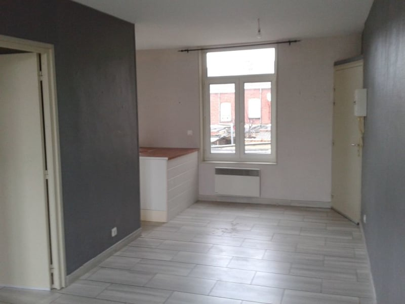 Rental apartment Armentieres 468,73€ CC - Picture 2