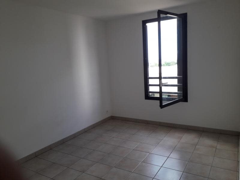 Rental apartment Belle pierre 944€ CC - Picture 5