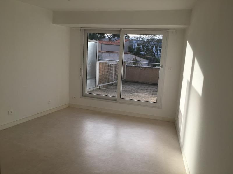 Location appartement Poitiers 366,56€ CC - Photo 1