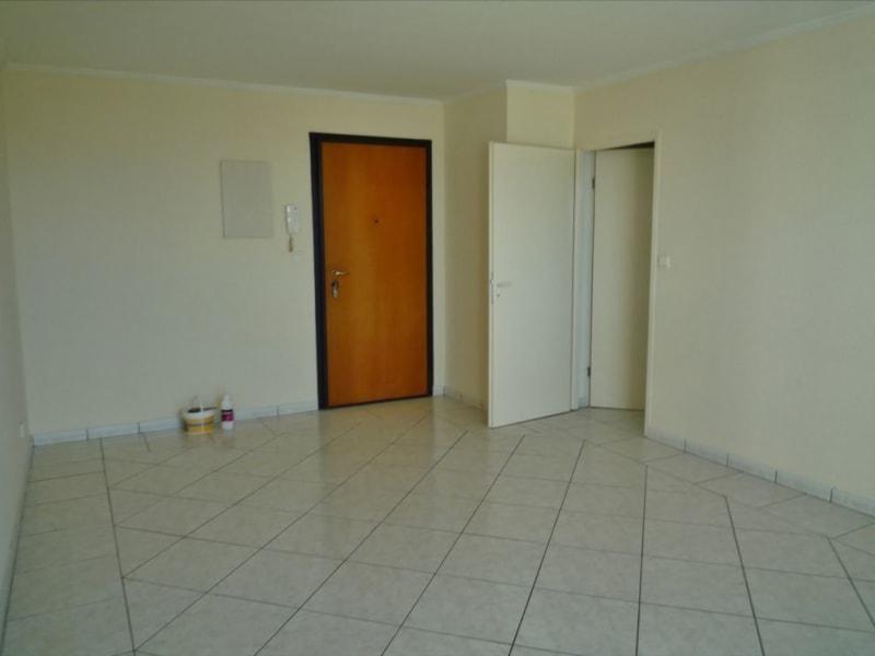 Rental apartment Saint denis 605€ CC - Picture 3