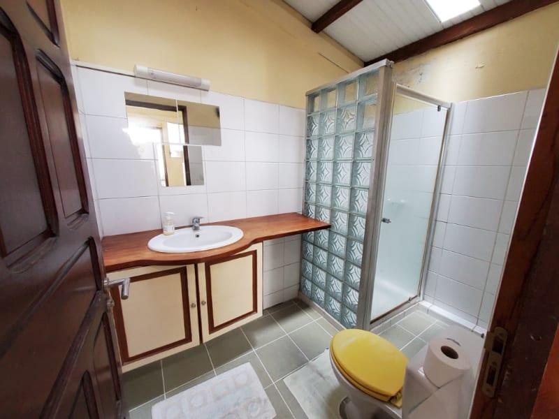 Location maison / villa Fort de france 1164€ CC - Photo 9