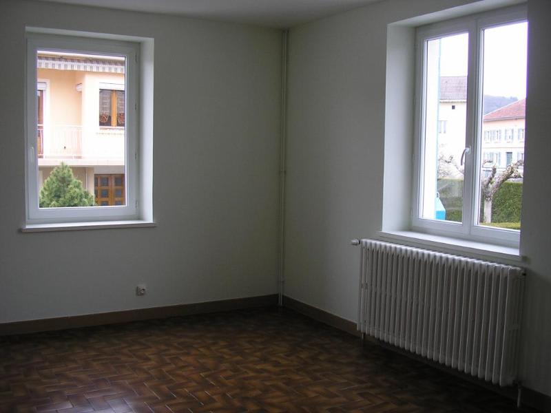 Rental apartment Maillat 503€ CC - Picture 1