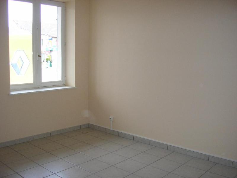 Rental apartment Maillat 503€ CC - Picture 4
