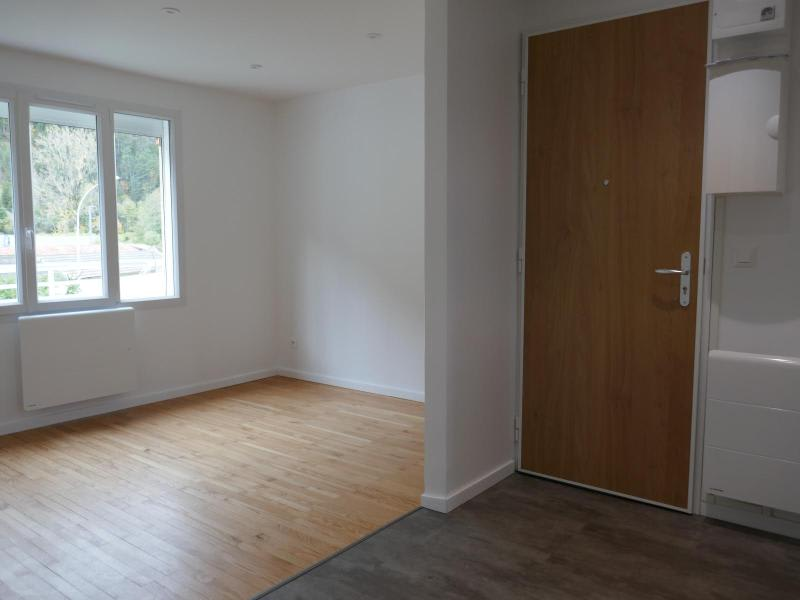 Location appartement Nantua 455€ CC - Photo 3
