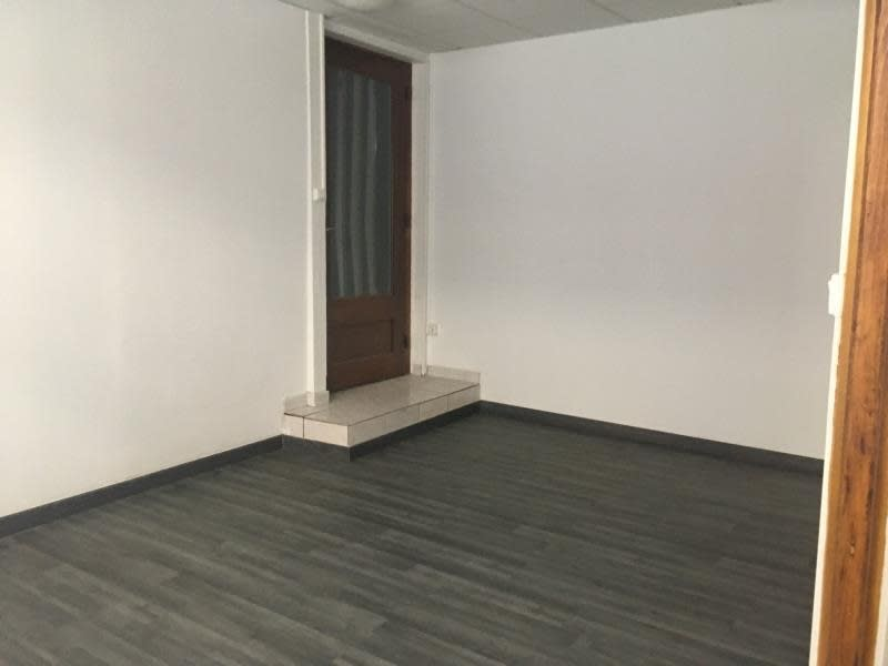 Sale empty room/storage Ste colombe 70 000€ - Picture 1