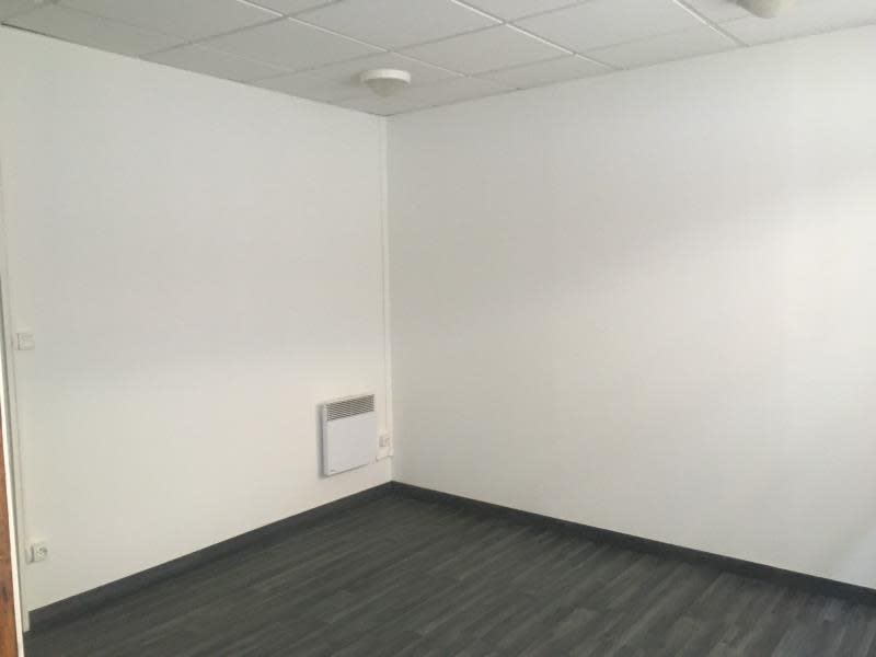 Sale empty room/storage Ste colombe 70 000€ - Picture 2