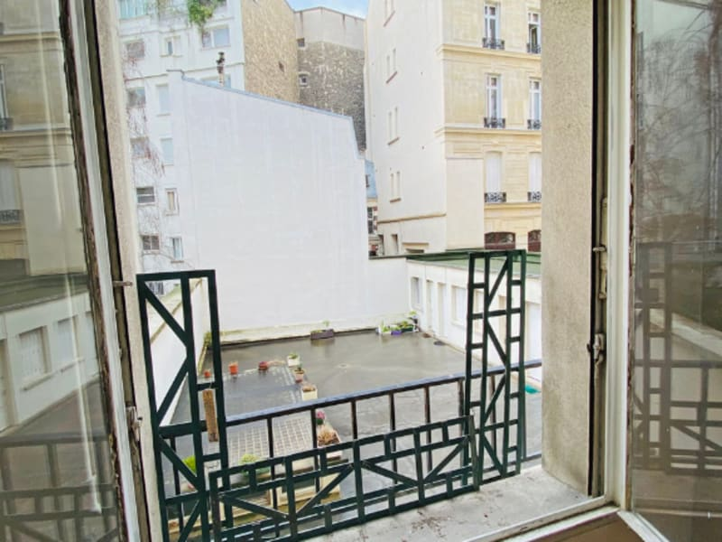 Rental apartment Paris 8ème 1 890€ CC - Picture 11