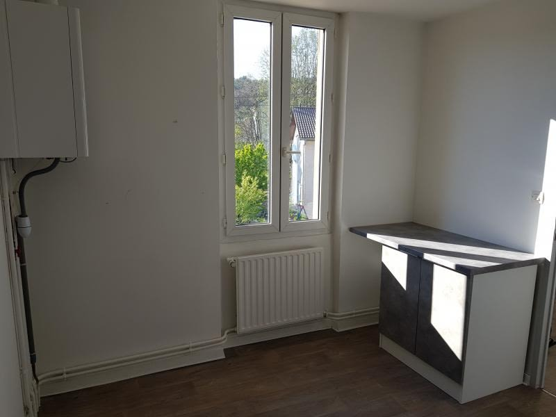 Rental apartment Oyonnax 404,50€ CC - Picture 5