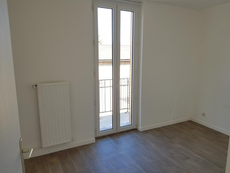 Rental apartment Oyonnax 404,50€ CC - Picture 7