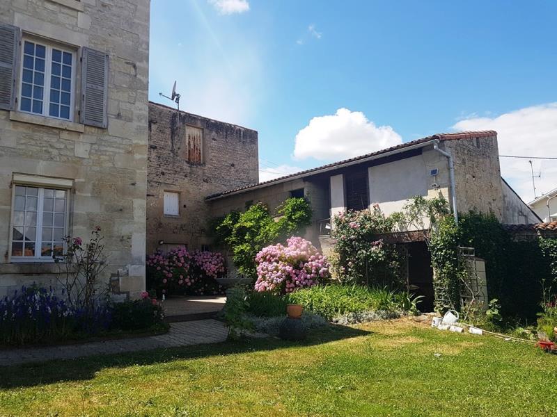 Vente maison / villa St maixent l ecole 197000€ - Photo 12