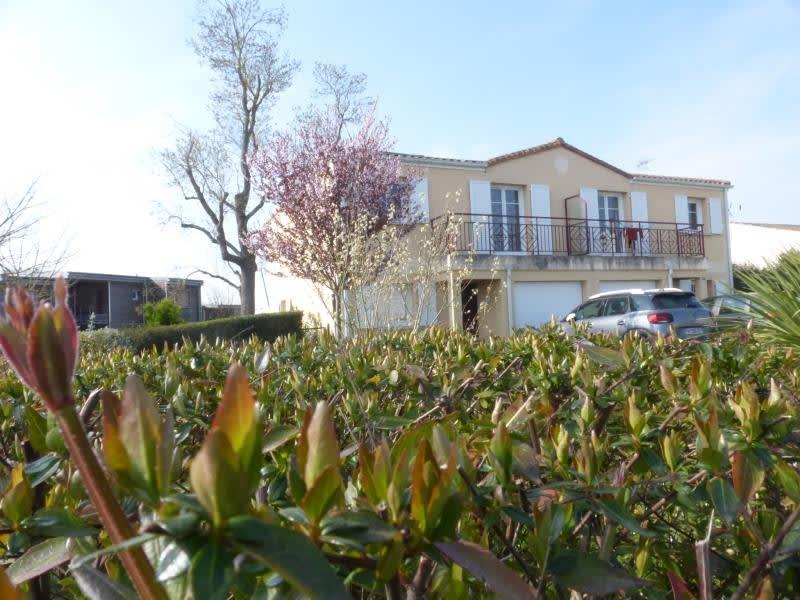 Sale house / villa Tonnay charente 155820€ - Picture 4