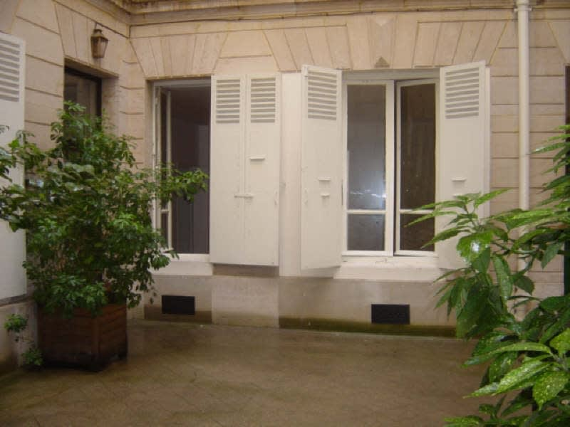 Location appartement Paris 7ème 1200€ CC - Photo 1