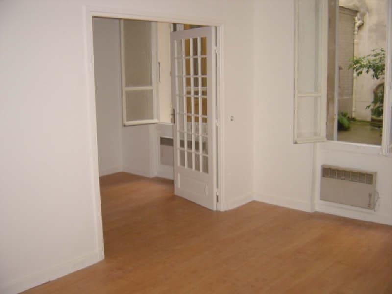 Location appartement Paris 7ème 1200€ CC - Photo 2