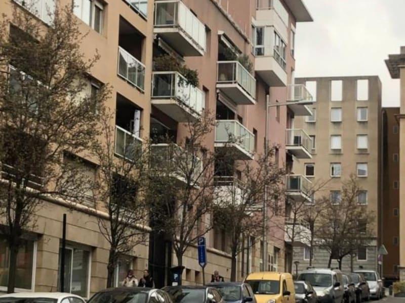 Rental apartment Aix en provence 795€ CC - Picture 1
