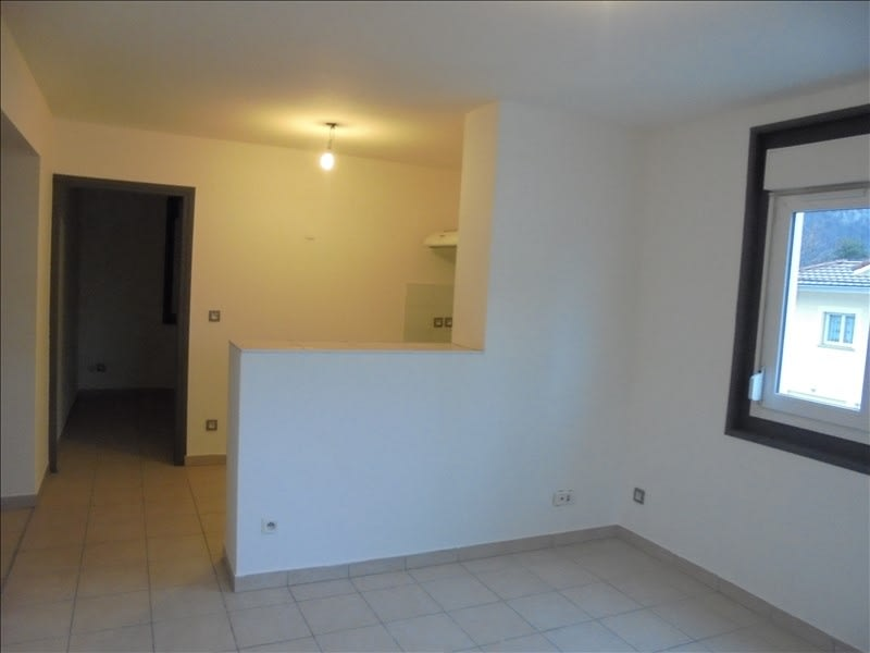 Rental apartment Cluses 656€ CC - Picture 2