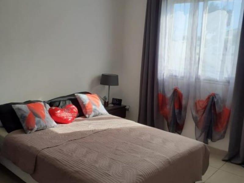 Sale house / villa Le port 230000€ - Picture 5