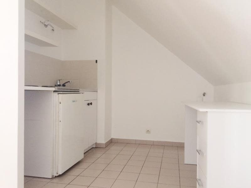 Location appartement Orsay 544€ CC - Photo 2