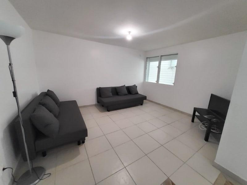 Location appartement Saint joseph 880€ CC - Photo 4