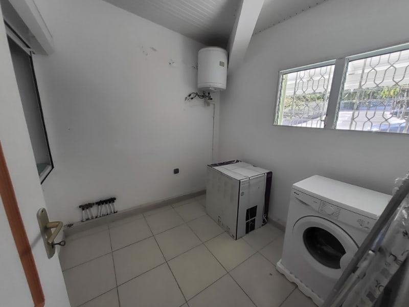 Location appartement Saint joseph 880€ CC - Photo 5