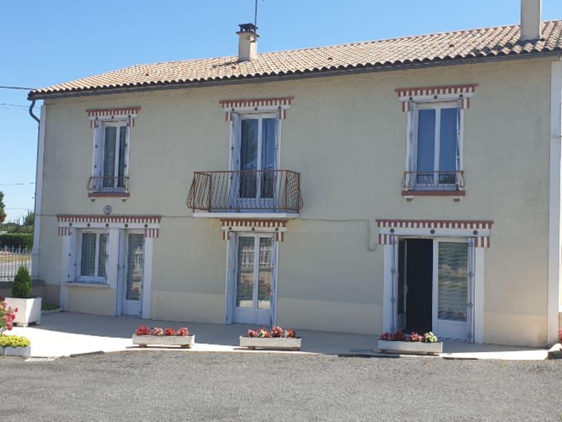 Sale house / villa Gencay 159000€ - Picture 6