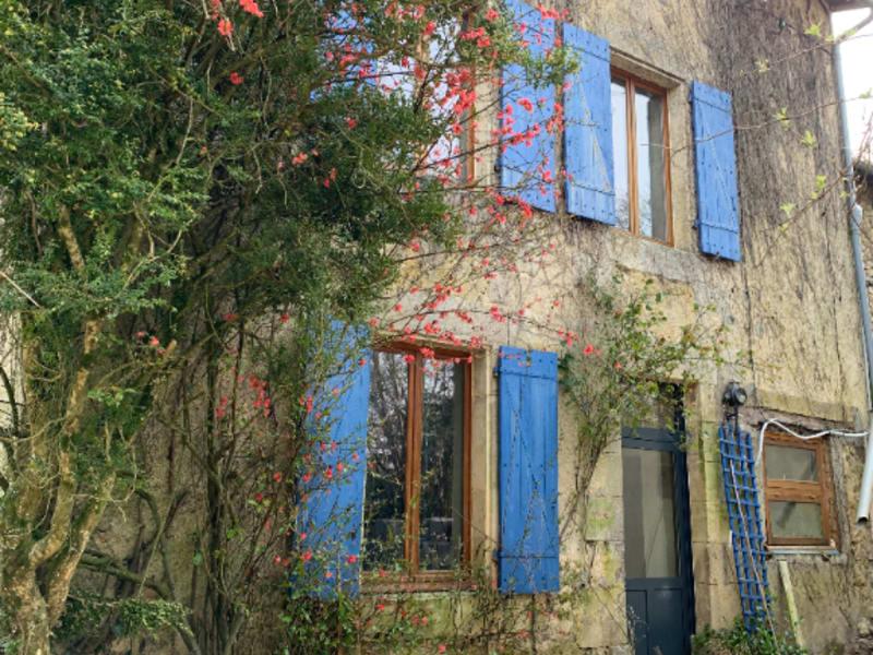 Sale house / villa Roches premarie andille 139100€ - Picture 1