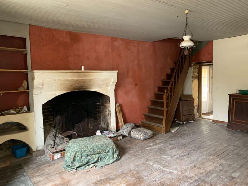 Sale house / villa Roches premarie andille 139100€ - Picture 2