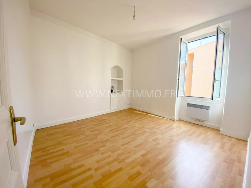 Rental apartment Menton 900€ CC - Picture 4