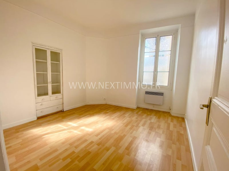 Rental apartment Menton 900€ CC - Picture 1