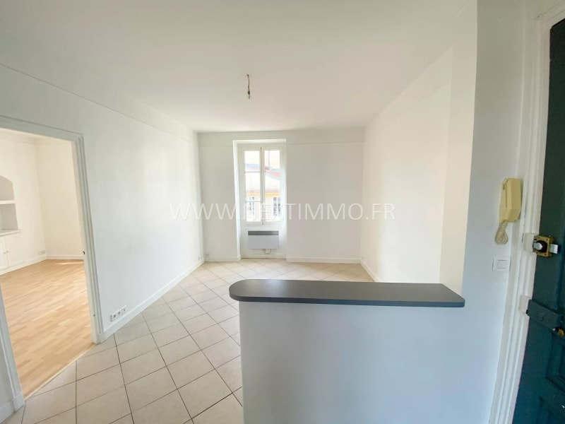 Rental apartment Menton 900€ CC - Picture 2