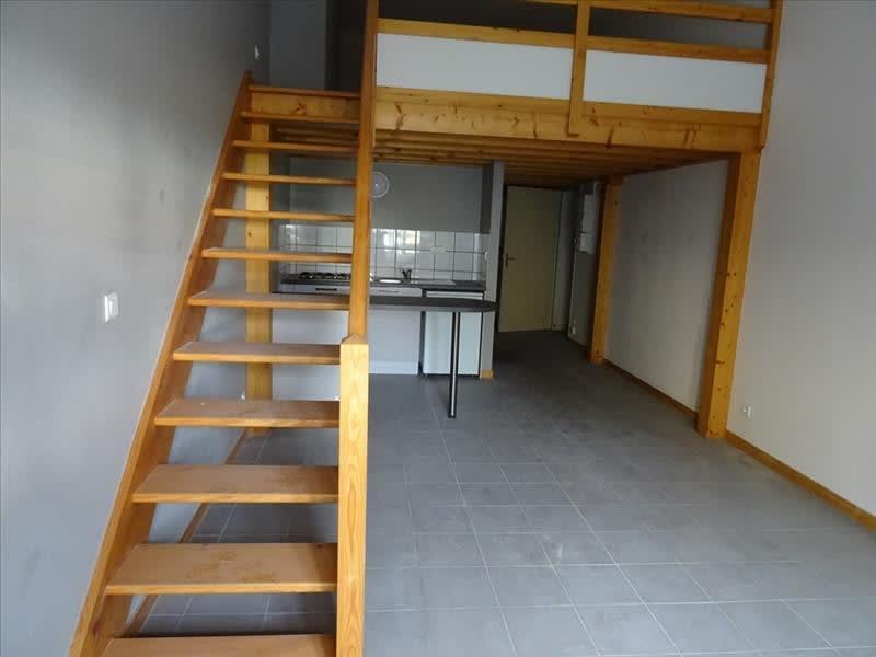Location appartement Roanne 335,41€ CC - Photo 3