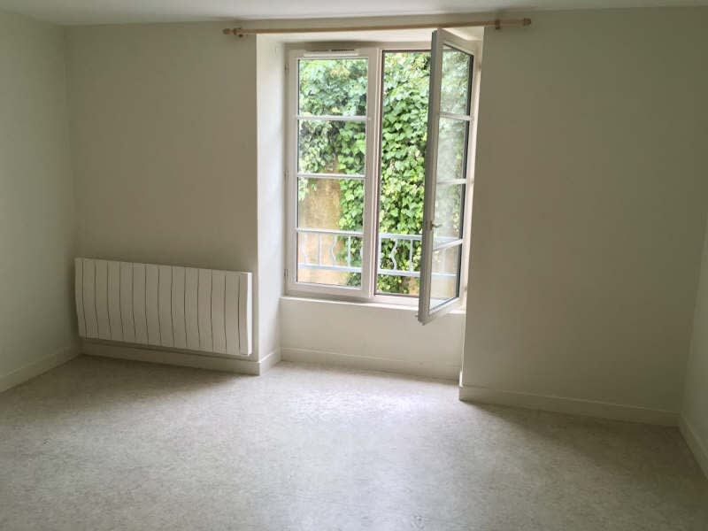 Location appartement Poitiers 317,25€ CC - Photo 2