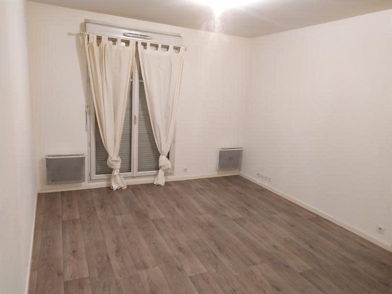 Location appartement Montfermeil 805€ CC - Photo 2