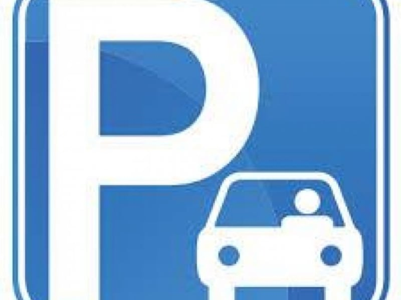 Location parking Montreuil 98€ CC - Photo 1