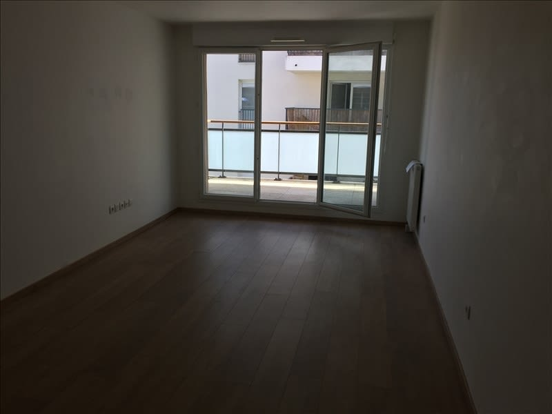 Rental apartment Athis mons 835€ CC - Picture 3