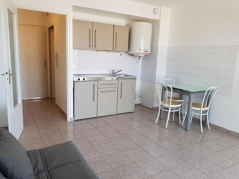 Rental apartment Montreal la cluse 356€ CC - Picture 1