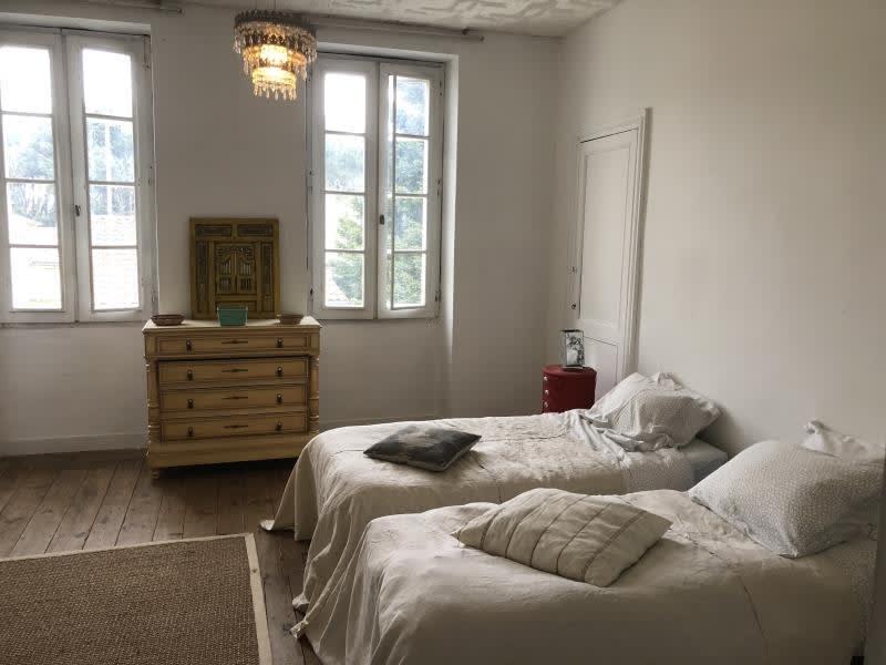 Sale house / villa Lamarque 208000€ - Picture 8