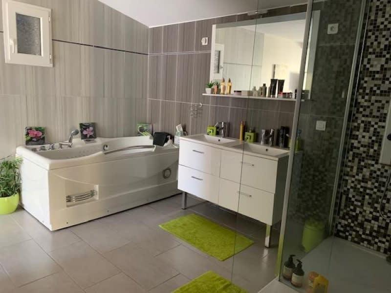 Sale house / villa Bassens 478000€ - Picture 3