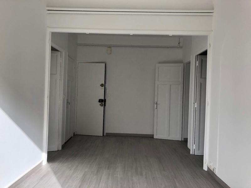 Rental apartment Aix en provence 880€ CC - Picture 1