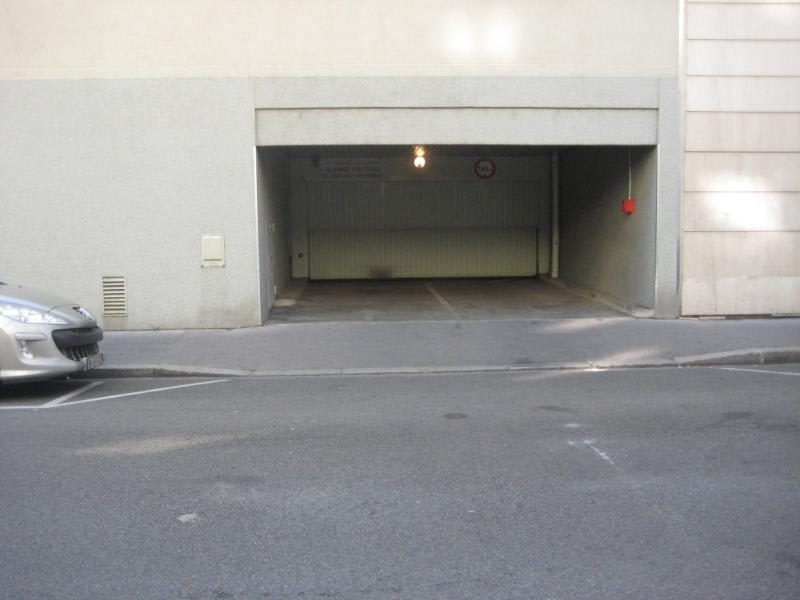 Location parking Lyon 6ème 133€ CC - Photo 1