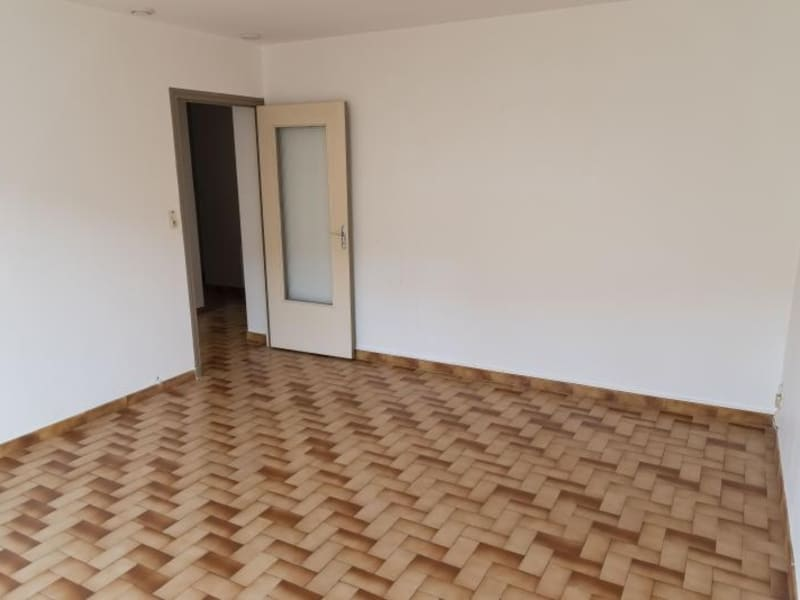 Location appartement Oyonnax 433€ CC - Photo 2