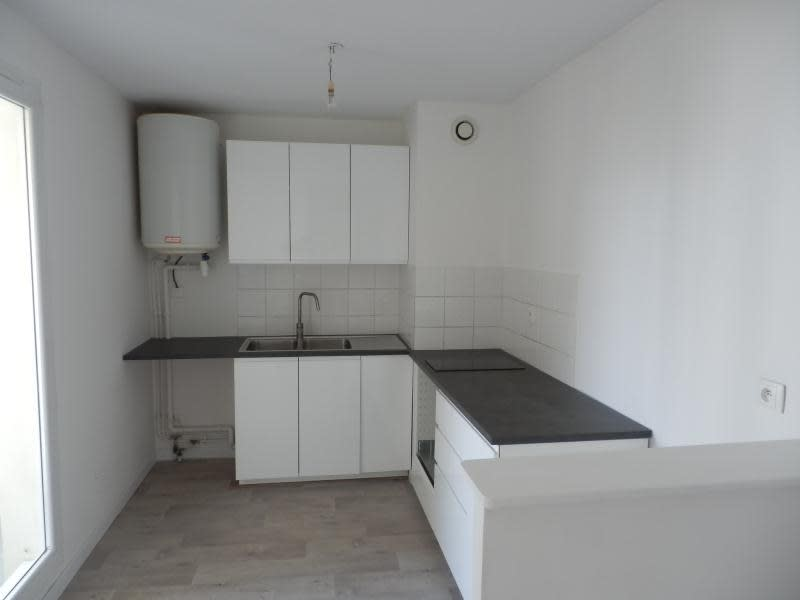 Rental apartment Toulon 578€ CC - Picture 2