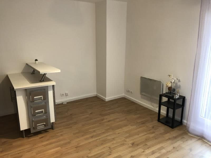 Location appartement Drancy 680€ CC - Photo 3