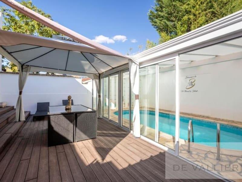 Deluxe sale house / villa Beauchamp 699000€ - Picture 2