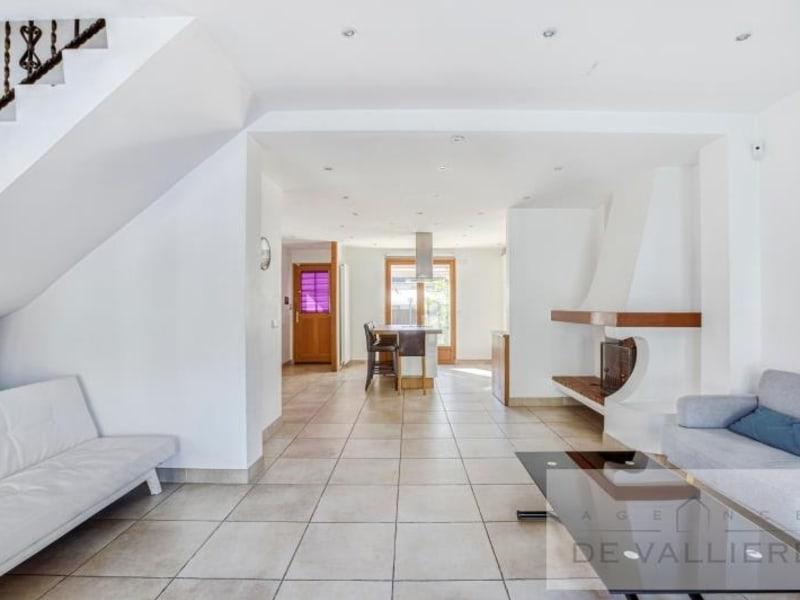 Deluxe sale house / villa Beauchamp 699000€ - Picture 3