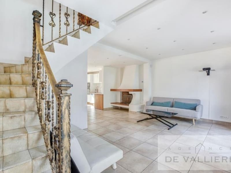 Deluxe sale house / villa Beauchamp 699000€ - Picture 9