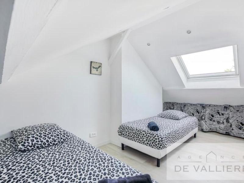 Deluxe sale house / villa Beauchamp 699000€ - Picture 13