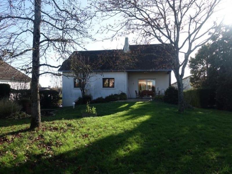 Sale house / villa Cholet 299700€ - Picture 1